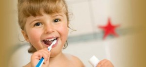 girl_brushing_teeth2